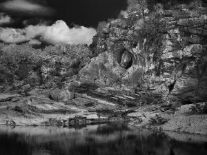 Pedernalis Falls, Cave in Cliff, Texas